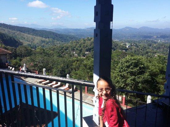 Amaya Hills: Pool and view