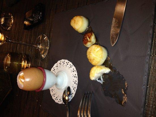 Le Bistrot du cuisinier : Noix de Saint Jacques poêlées, brouillade d'œuf et saumon fumé... Un régal!