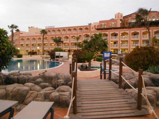 SENTIDO H10 Playa Esmeralda: Vista dalla piscina