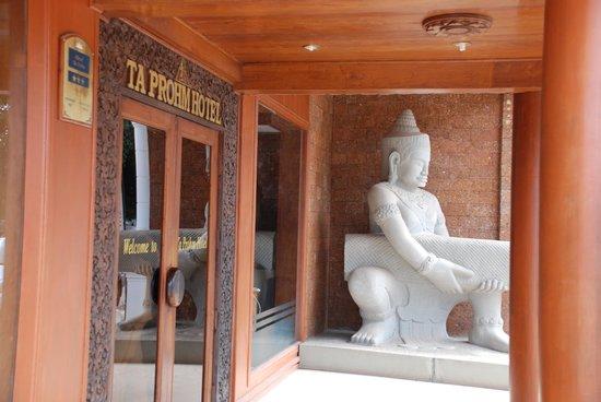 Ta Prohm Hotel 2