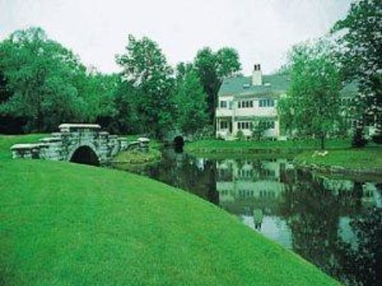 The Ponds at Foxhollow: Grounds