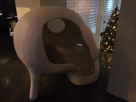 Art'otel Amsterdam: The skull - good for sitting inside and figuring the world out