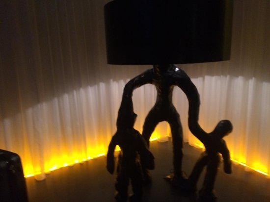 Art'otel Amsterdam: Brad Pitt's Lamp