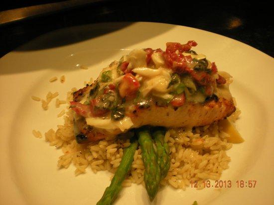 Florida's Fresh Grill: Salmon Oscar