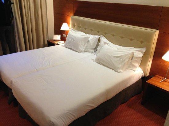 Silken Coliseum Hotel: cama (dos camas)