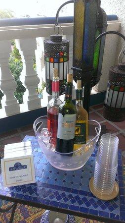 Hotel L'Esplanade: complimentary wine