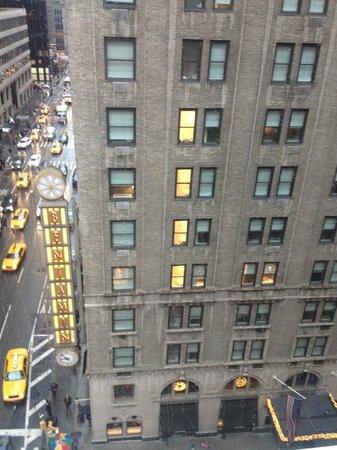 W New York: Large Window facing Lex Ave.