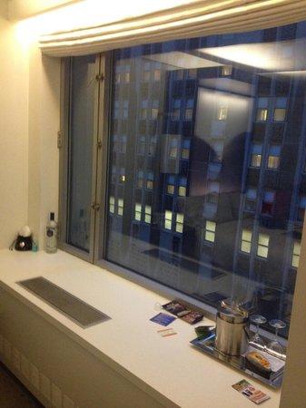 W New York: Large windows facing Lexington Ave