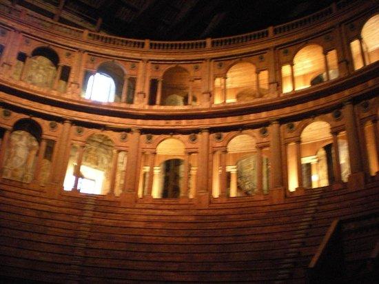Teatro Farnese : Teatro, meraviglia per gli occhi!
