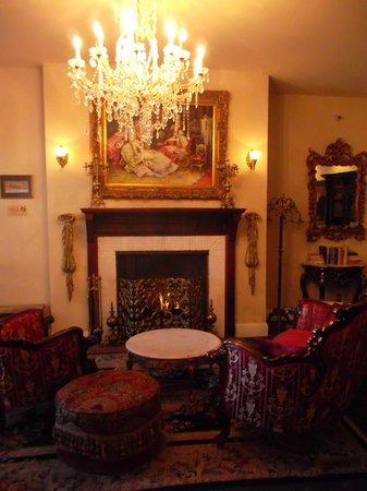 Queen Anne Hotel: В лобби