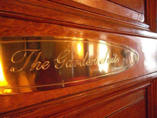 Queen Anne Hotel: Табличка номера