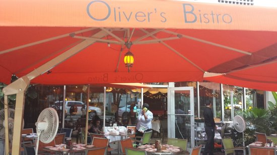 Oliver's Bistro: Patio Entrance