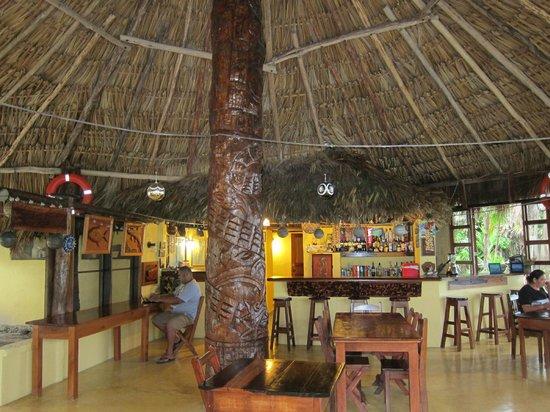 Hotel Tierra Maya: Dining room and bar
