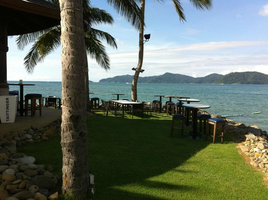 Sunset Bar at Shangri-La's Tanjung Aru Resort and Spa: Some nice spots to chillex