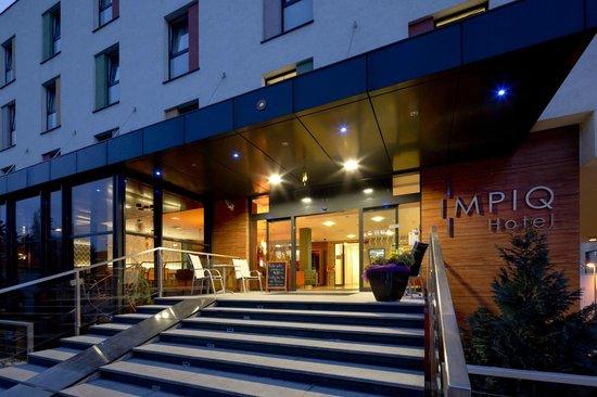 IMPIQ Hotel : Main Hotel Entry