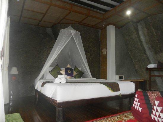 Dusit Buncha Resort: letto