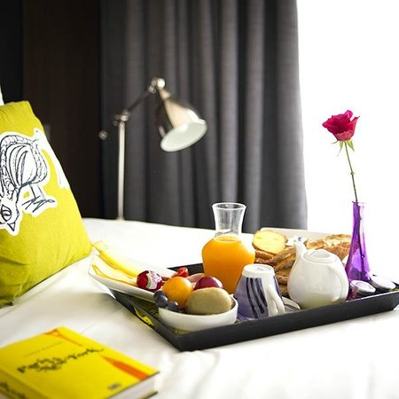 Hype Hotel : ROOM SERVICE