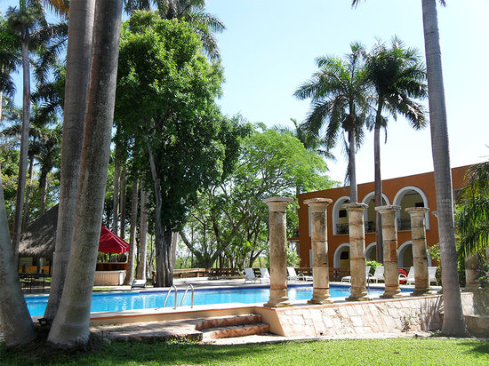 Hotel Hacienda Uxmal Plantation & Museum: Swimming Pool