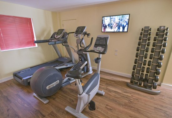 Ramada London North M1: Fitness Suite