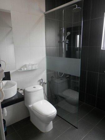 Ipoh Downtown Hotel: Bathroom of Room 213