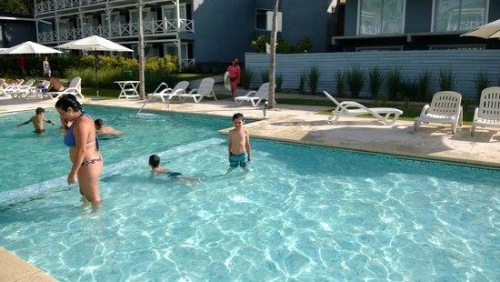 Howard Johnson Hotel and Convention Center Madariaga Carilo: pile chicos