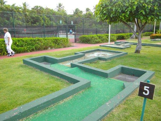 Grand Palladium Punta Cana Resort & Spa: mini golf