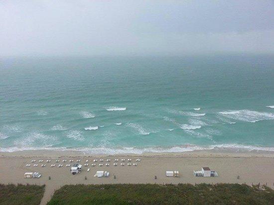 Grand Beach Hotel: VISTA