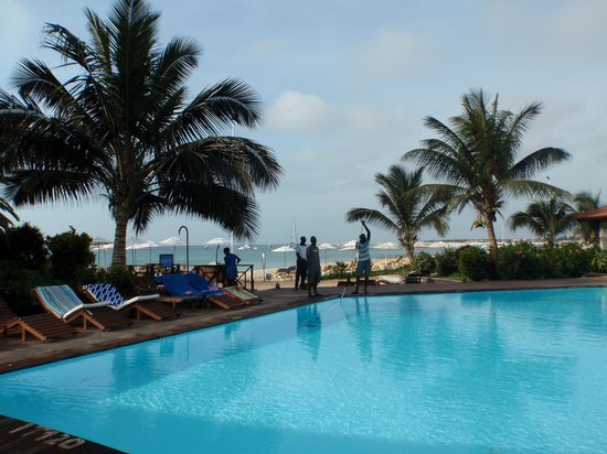 Porto Antigo Residence : Uitzicht vanaf zwembad