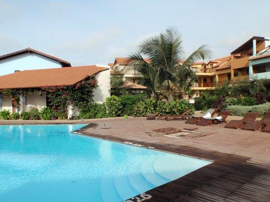 Porto Antigo Residence : Zijkant complex