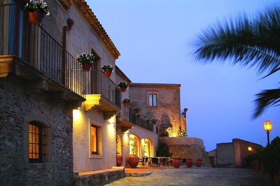 Borgo San Rocco Resort : front of the resort