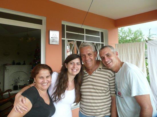 Casa Papo y Niulvys: Con Papo Niulvys  y Tony