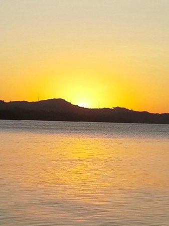 Paya Bay Resort: Roatan Sunset