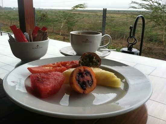 Ole Sereni: Nice way to start the morning with some delicious fruit, eaten while overlooking the savanna!