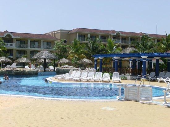 Vu de la piscine picture of iberostar laguna azul for Piscine varadero