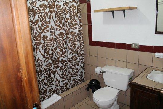 Hotel Apartamentos Otorongo: Bathroom