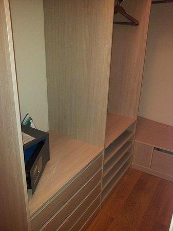 Residence Karolina - Prague City Apartments: Huge closet space + safe