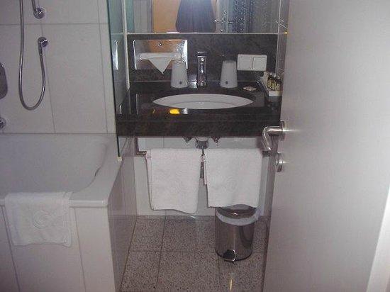 Appartement-Hotel an der Riemergasse: bagno con vasca