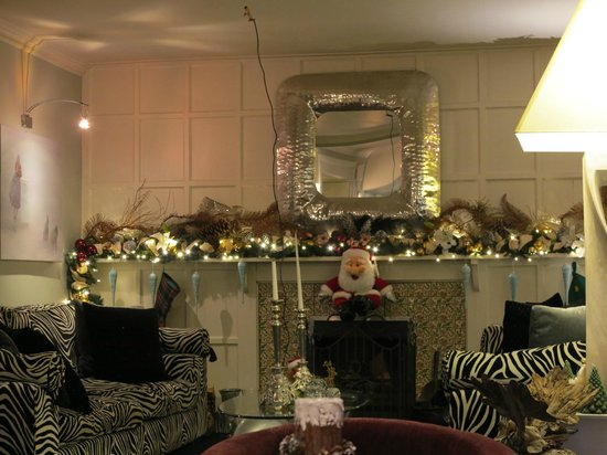 Talland Bay Hotel: More Christmas and the zebra sofas