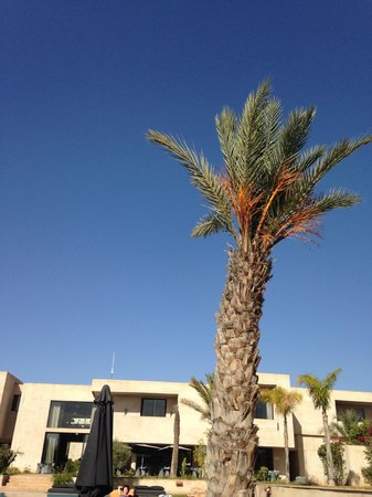 Sirayane Boutique Hotel & Spa: Clear blue sky in winter