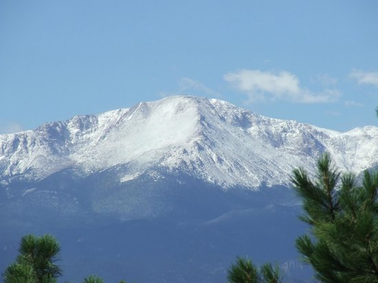 Black Forest Bed and Breakfast: Our view of Pikes Peak