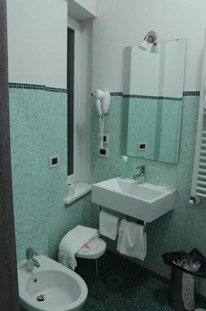 Hotel Siena: Ванная комната