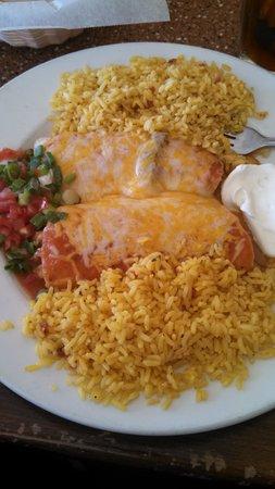 El Mariachi: chicken enchiladas
