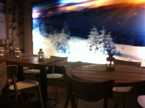 Dans le jardin des alpes : arrière restaurant