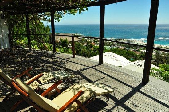 Boutique @ 10: Balkon und Aussicht auf Camps Bay und das Meer