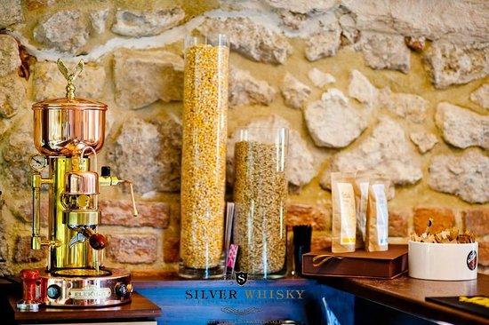 Silver Whisky Pub: Nasz piękny ekspres do kawy