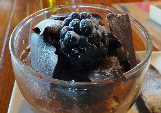L'wzaar Seafood Market: Chocolate mousse, L'wzaar