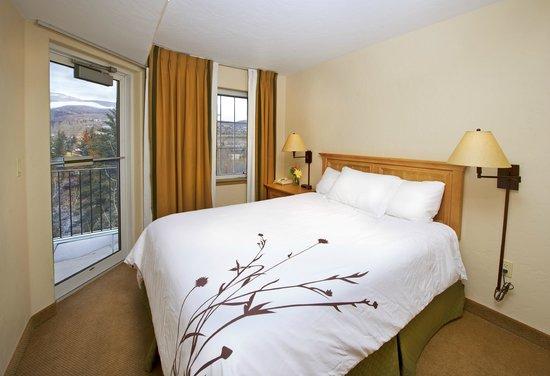 Inn and Suites at Riverwalk : 2 Bedroom Suite Guest Bedroom