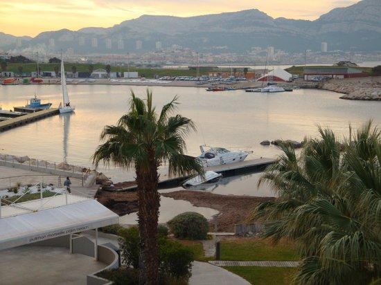 NH Marseille Palm Beach : Vue de la chambre