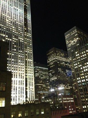 Club Quarters Hotel, opposite Rockefeller Center: Вид из моего номера 15 этаж