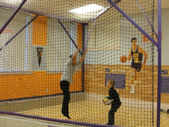 St. George Children's Museum: Indoor Basketball